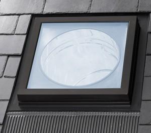 Świetlik tunelowy do dachów skośnych {Velux TWF 2010 OK14}